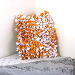 Coussin boucherouite orange, fait main