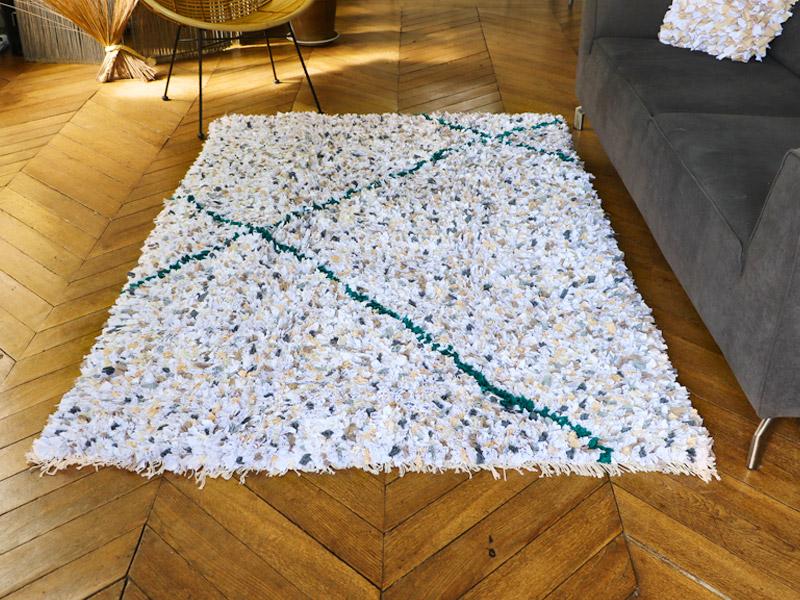 Comment nettoyer un tapis de salon boucherouite ?